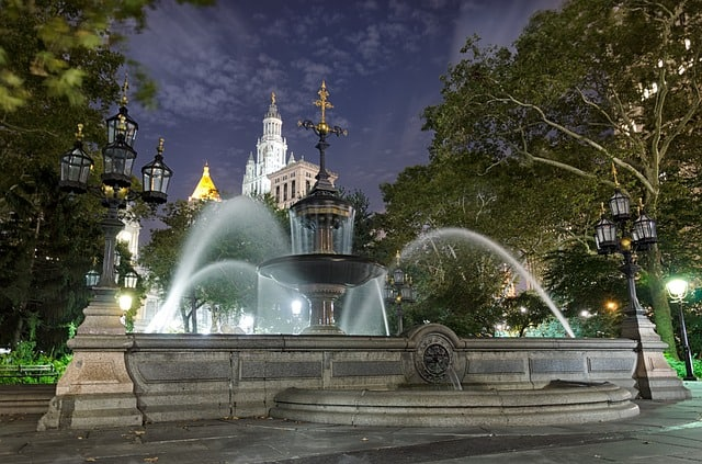 historic sites in NYC city hall park